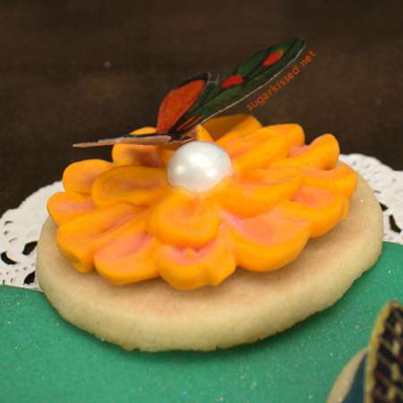 More Easy Dimensional Icing Flowers