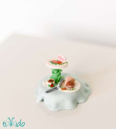 halloween-tea-set-cupcake-toppers