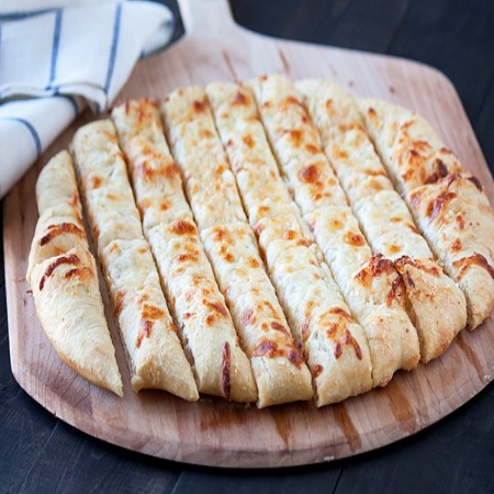Cheesy-Beer-Breadsticks