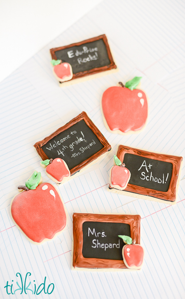 back-to-school-chalkboard-cookies