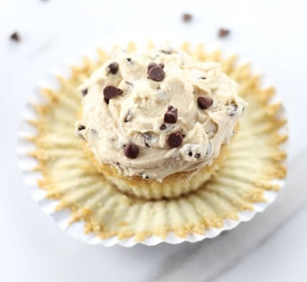 chocolate chip cookie cupcake with cookie dough frosting