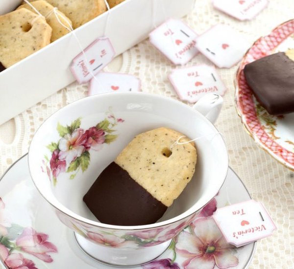 earl grey and chocolate shortbread cookies