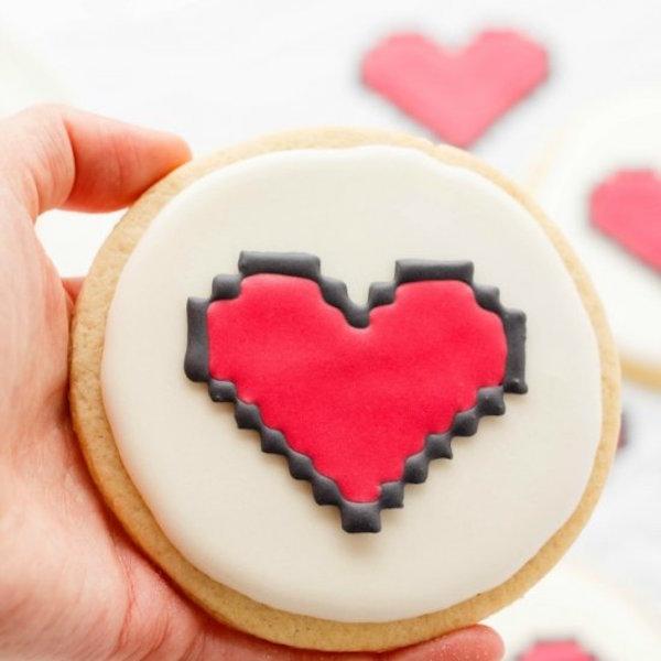 8 bit heart cookie