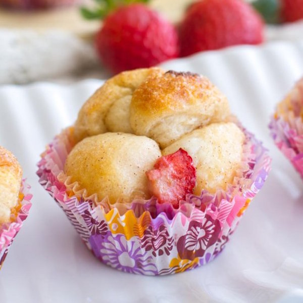 mini strawberry cheesecake monkey bread