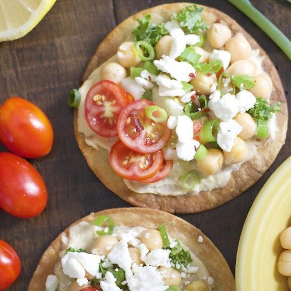 mediterranean hummus tostados