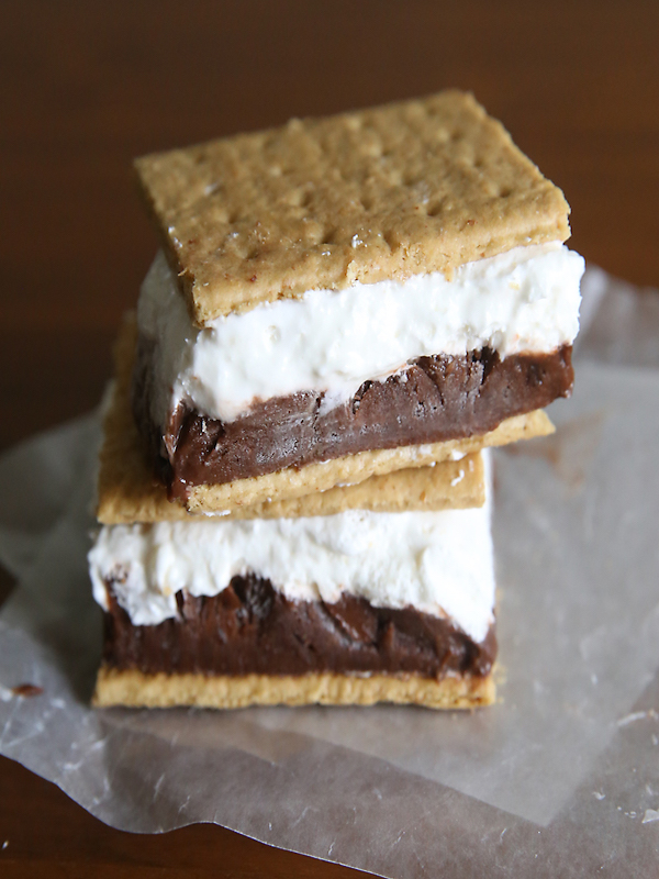 frozen-smores-smores-easy-recipe-pudding-ice-cream-sandwich-marshmallow-cold-treat-summer