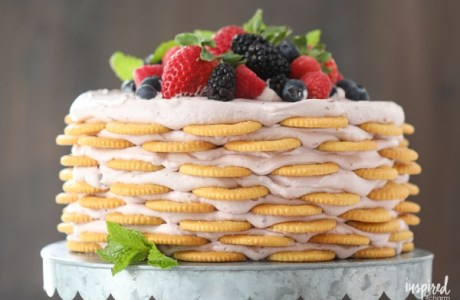 No Bake – Ritz Mixed Berry Cake