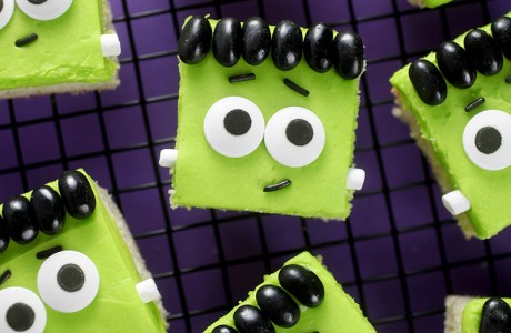 Make These Halloween Frankenstein Squares