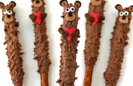 Valentine's Day Pretzel Teddy Bears