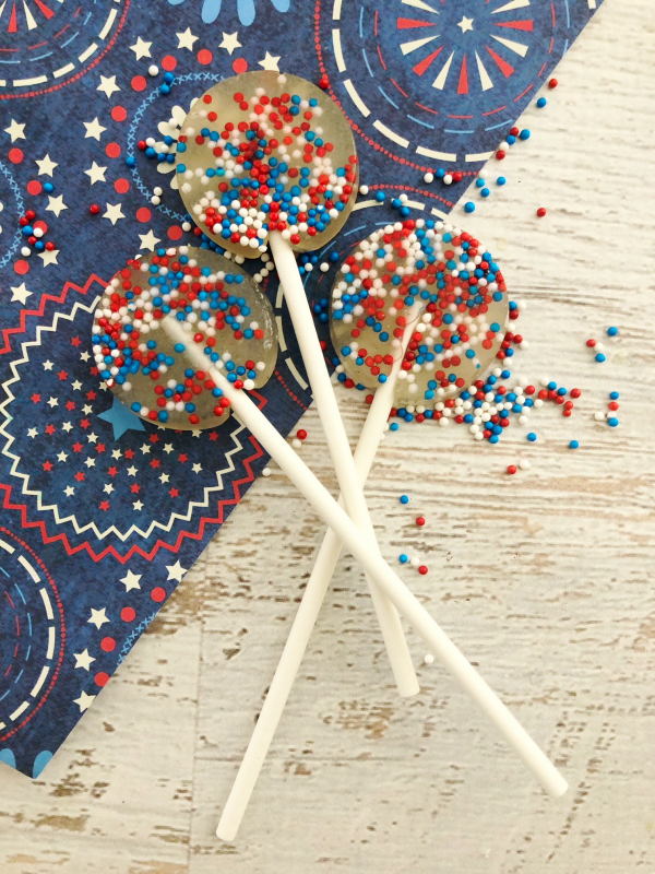 DIY Fourth Of July Lollipop Suckers