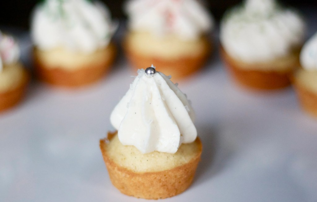 Easy vanilla bean cupcake recipe by Edible Times