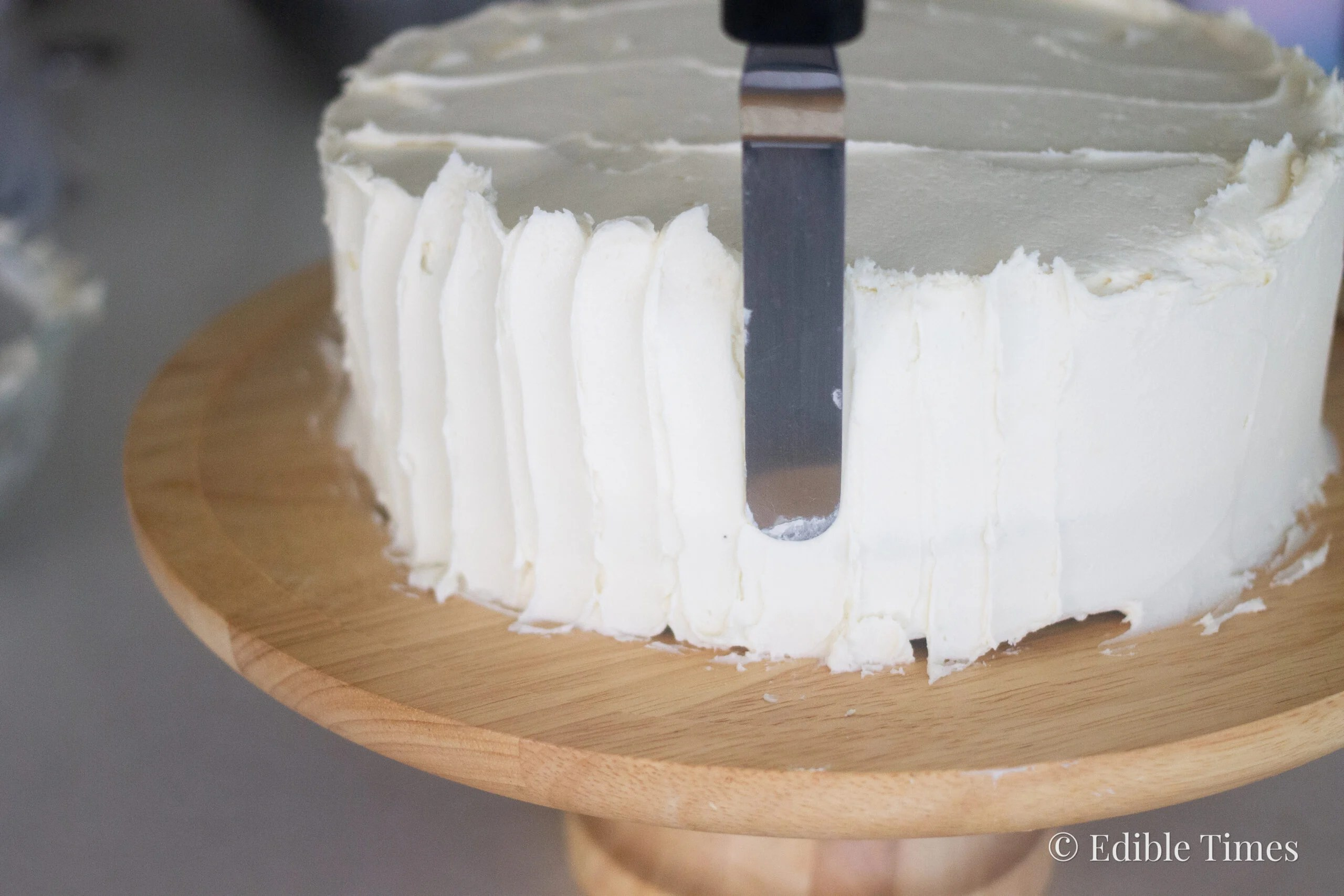 Simple cake decorating tips from Edible Times