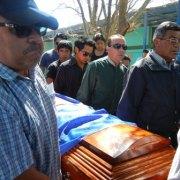 El último adiós para jóvenes fallecidos en accidente de Pozo Almonte.