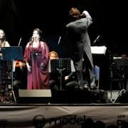 Público iquiqueño disfruto actuación de Verónica Villarroel en hemiciclo de Teatro Municipal
