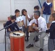 Instrumentos de bronce, percusión y viento para Orquesta de escuela de caleta Chanavayita