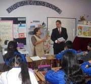 Escuelas y Liceos pueden  participar en programa Voluntarios Angloparlantes