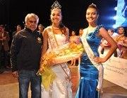 Alto Hospicio coronó como reina del carnaval a joven estudiante