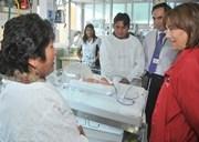 Madre peruana da a luz a trillizos en Hospital de Iquique
