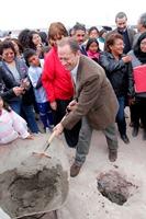 Con colocación de primera piedra dan inicio a 2 proyectos habitacionales en El Boro