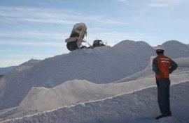 Nueve mil pequeños mineros estarían afectados ante fraude al fisco de Soquimich en fallida licitación del litio