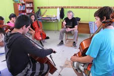 En camping musical del Tamarugal, jóvenes mejoran técnica instrumental
