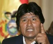 """Evo Morales dice que Piñera """"desprestigia al pueblo chileno"""""""