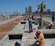 Intensas faenas para recuperar las piletas del parque La Américas, en Playa Brava