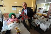 """Alcalde Soria celebró el """"Día Internacional de la Mujer"""" visitando la maternidad y el Hogar de Ancianos"""