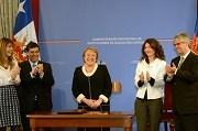Presidenta Bachelet firmó proyecto de ley que crea el Administrador Provisional en la Educación Superior