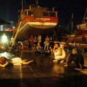 Arte contemporáneo improvisó pieza en Caleta de Pescadores de Cavancha