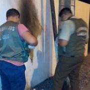 Con molotov atacan cuartel de Carabineros Cavancha, ocasionando serios daños
