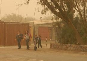 Alerta temprana por vientos que ocasionarán tormentas de arena en la costa y el interior de Iquique