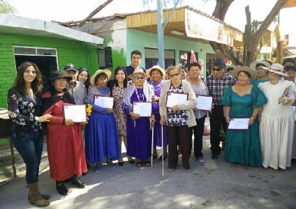 Adultos mayores de Huara logran financiamiento de FOSIS