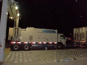 Descubren 145 paquetes con cocaína y 284 con marihuana en camión proveniente de Cochabamba