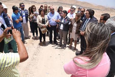 Vecinos junto a autoridades inspeccionaron relleno sanitario El Boro
