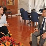 Intendente (s) Claudio Vila y presidenta de la CUT abordan principales problemas que afectan a trabajadores en Tarapacá