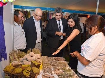FOSIS apostó a la inclusividad en Feria de Emprendimiento, al incorporar lenguaje de señas en jornada inaugural