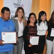Certifican a emprendedores FOSIS que accedieron a programa financiado con recursos regionales