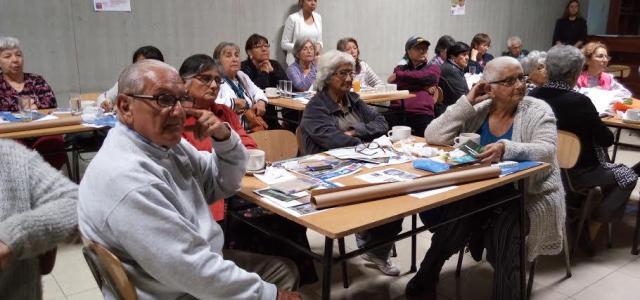 Orientan a Adultos Mayores sobre Aporte Previsional Solidario de Vejez, Bono de Invierno y otros beneficios