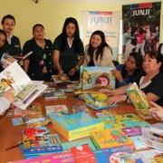 Educadoras JUNJI realizan revisión de textos orientados a los párvulos para periodo 2017