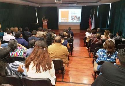 """En hecho inédito Danisa Astudillo rindió cuenta pública como  concejala. """"Iquique necesita más mujeres en cargos de representación"""", dijo"""