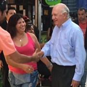 Ricardo Lagos en plena campaña en Tarapacá, parte del periplo que realiza por todo el país