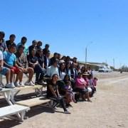 Todo un logro: Vecinos del poblado andino de Pozo Almonte, transforman sitio eriazo en cancha comunitaria