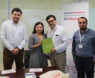 Instituto de Derechos Humanos y Superintendencia de Educación, coordinan acciones