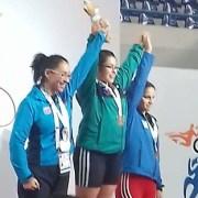 Deportista pozoalmontina  subió 3 veces al podium de honor, para recibir medallas en nacional de halterofilia