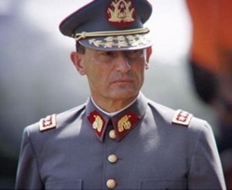 Consejos de Guerra: Penas de cárcel y multas en que aparece el nombre de ex jefe del Ejército Juan Cheyre
