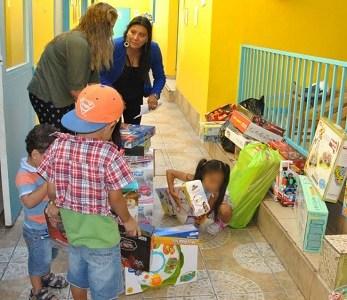 Residencia de la Red Sename, recibieron juguetes entregados por funcionarios de la ITI
