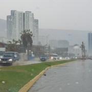 Advierten debilidad de la red meteorológica de Tarapacá luego que precipitaciones en Iquique no fueran debidamente anunciadas