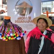 Artesanas llegan con lanas y tejidos al Boulevard Plaza Prat, donde se instalan con  la versión textil del Mercado Campesino