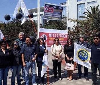 """Presidente ANEF Tarapacá dice a Piñera """"que la corte y pare el chacoteo con el gobierno"""", aludiendo al intento de fusionar las carteras de Vivienda y Bienes Nacionales"""